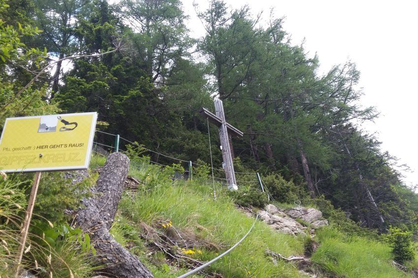 Gipfelkreuz des Peter Kofler Klettersteigs in St. Jodok, Wipptal