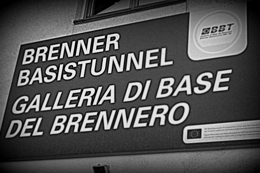 Schild Brenner Basistunnel