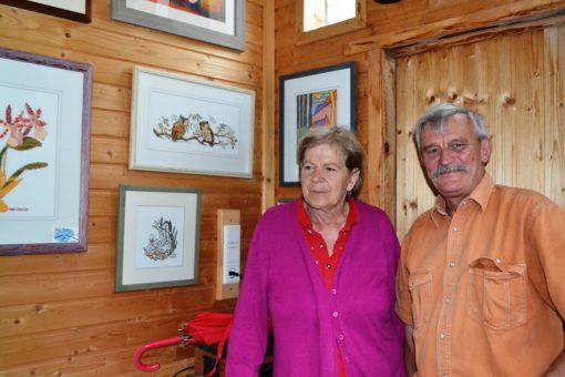 Ehepaar Staud mit ihren Kunstwerken