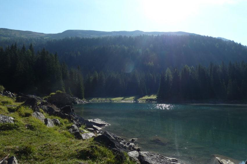 Sonniger Sonntagmorgen am Obernberger See im Wipptal