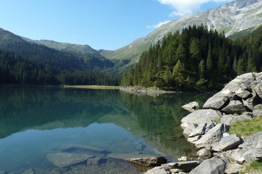 Blick zum hinteren Ende des Obernberger Sees im Wipptal
