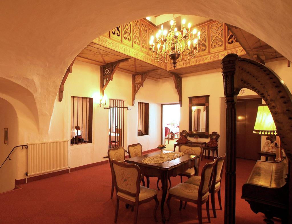 Historische Mauern im Hotel Krone, Matrei