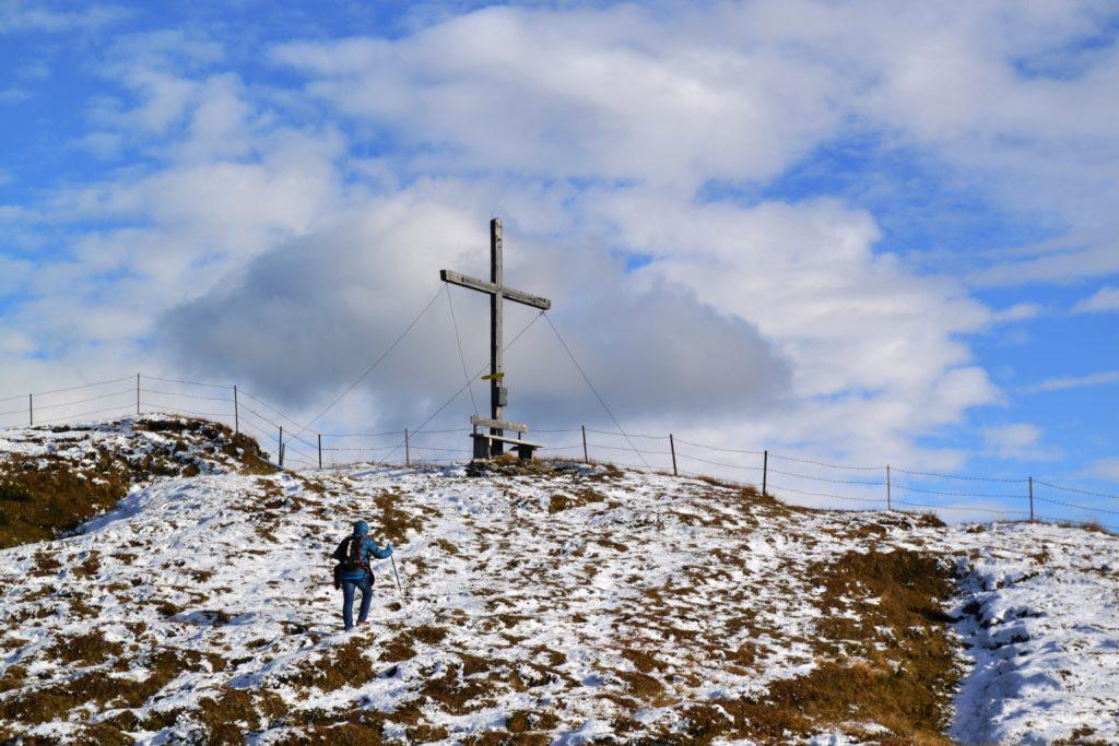 Fast geschafft! Gipfelkreuz Sumpfkopf in Schmirn