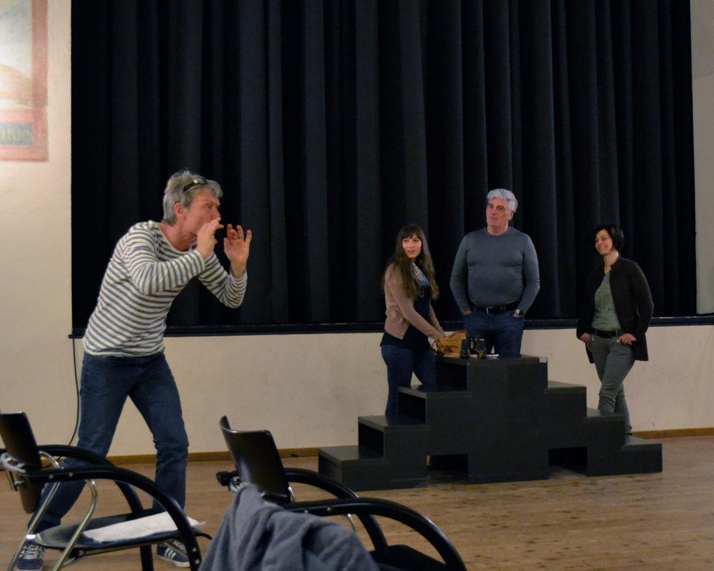 Erste Proben mit Regisseur Gert Weigel
