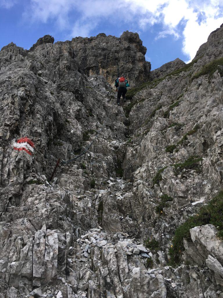 Kletterpassagen beim Aufstieg auf den Silbersattel - nur für Geübte!