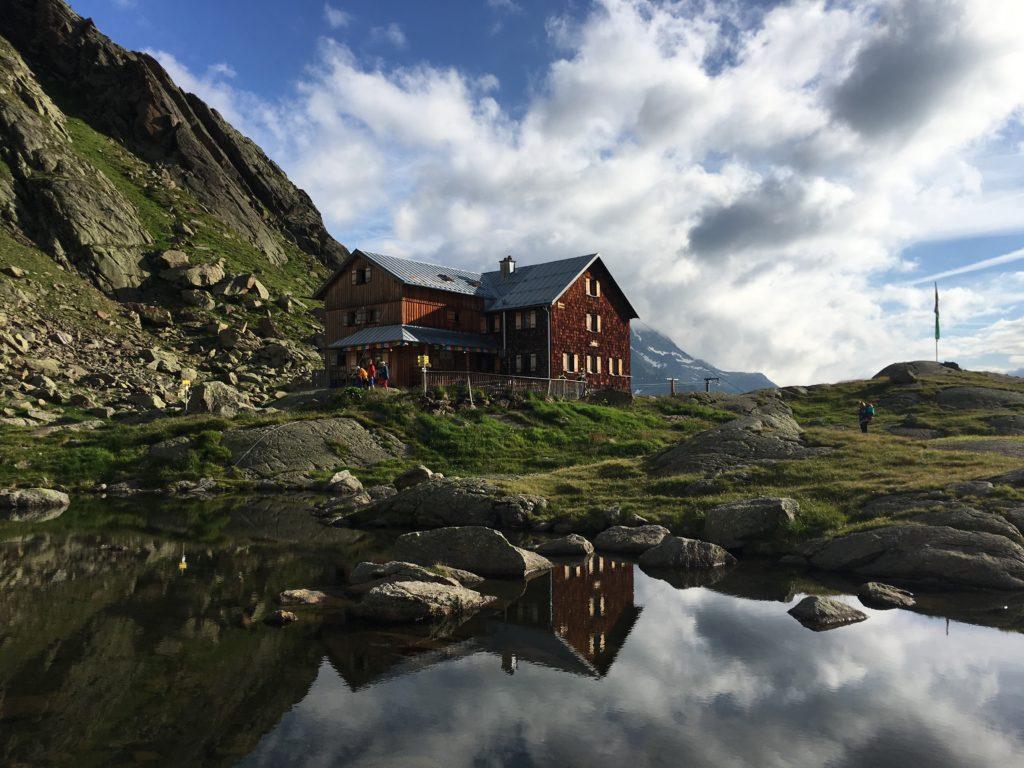Die Bremer Hütte auf 2.413 m