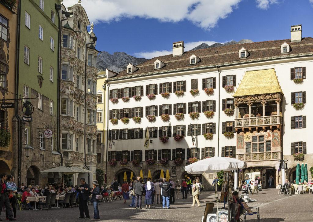 Ein Eis in der Altstadt ist immer ein guter Tipp! (c) TVB Innsbruck, Helga Andreatta