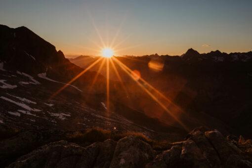 Sonnenaufgang am Alpenhauptkamm